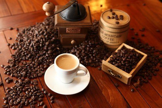 cafe-1618628_640