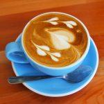 カフェでほっこり幸せ時間を過ごす。