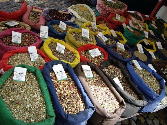 market-stall-381381_640
